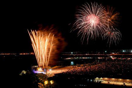 Internationaler Feuerwerk-Festival in Bangkok Thailand Standard-Bild - 6716202