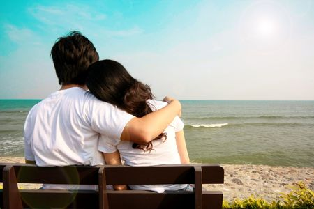 sweet love: Sweet pareja en la playa Foto de archivo