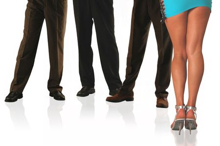 mini falda: tres hombres de negocios y la secretaria caliente de los jefes.