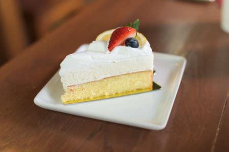 mousse: lemon mousse cake