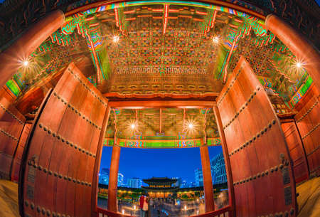 SEOUL,SOUTH KOREA-AUGUST 3,2016: The entrance to Gyeongbokgung Palace At night, there is a beautiful light on for tourists to visit