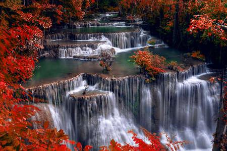 Huai Mae Kamin waterfall(Fourth level) Srinakarin Dam in Kanchanaburi, Thailand. Foto de archivo