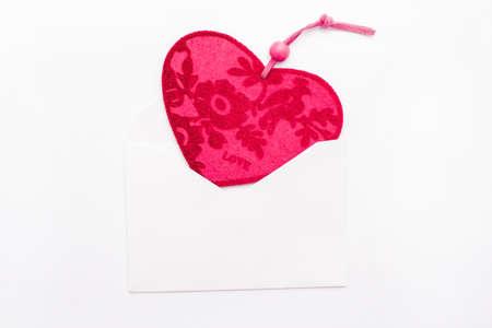 recibo: Corazón de San Valentín en un sobre Foto de archivo