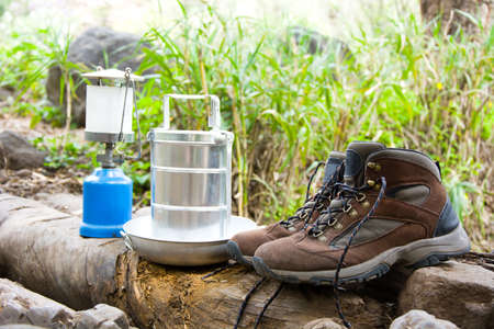 Camping und Wanderausrüstung Standard-Bild - 38174438