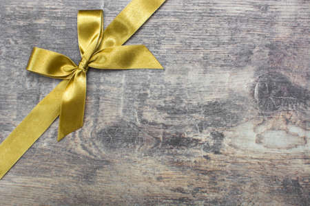 weihnachtsschleife: Weihnachten Band auf Holz Hintergrund