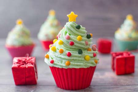 christmas cupcakes: Christmas tree cupcakes
