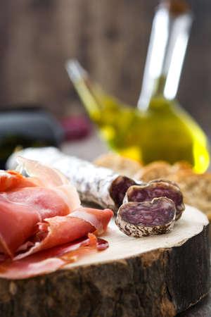 serrano: Spanish serrano ham, olives and sausages