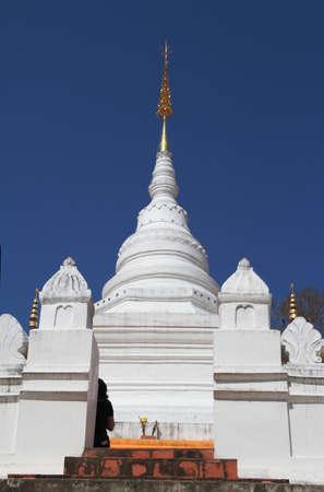 Wat Pratardnoi Temple at noon under blue sky