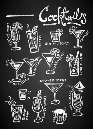 Set of chalk hand drawing cocktails on blackboard Vectores