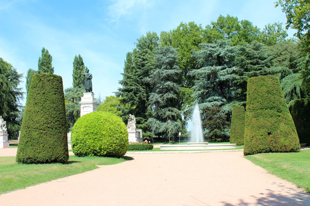virgil: August 2, 2016, Mantua, Lombardy, Italy. Virgiliana Square (Giardini di Piazza Virgiliana) and Virgil Monument with fountain. Popular touristic european destination. Mantua city view Editorial
