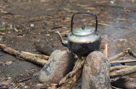 tipi: Outdoor water cooking