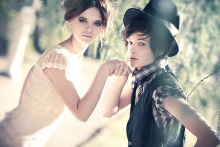 caballeros: Retrato de la joven pareja rom�ntica. Colores suaves.