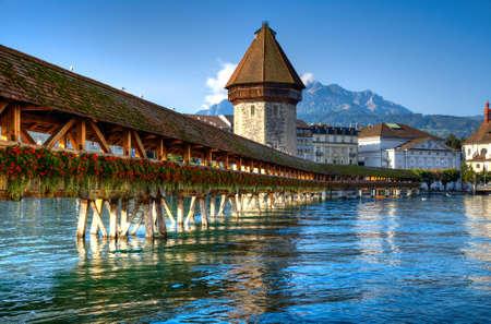 Beroemde houten brug in Uitgeverij Zwitserland. Stockfoto