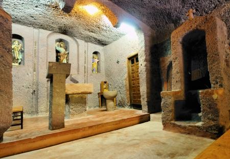 gully: Iglesia en una cueva, Barranco de Guayadeque, Barranco de Gran Canaria, Islas Canarias, Espa�a Foto de archivo