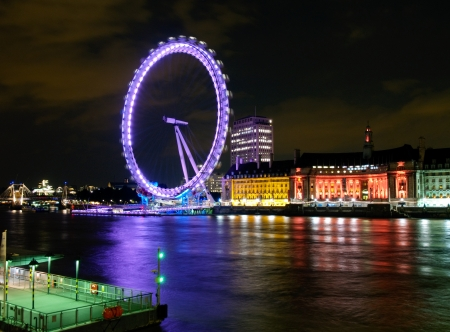 thames: London Eye In Night