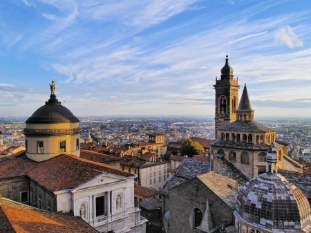 Bergamo, view from city hall tower, Lombardy, Italy 報道画像
