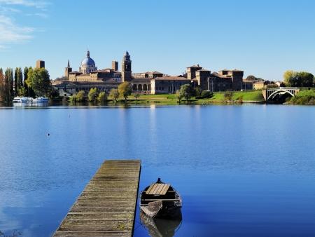 Mantua Cityscape, Lombardei, Italien Standard-Bild - 16290741