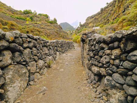 gully: Barranco de las Nieves - barranco cerca de Santa Cruz de La Palma, Islas Canarias, Espa�a Foto de archivo