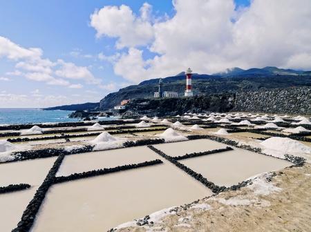 evaporacion: Salinas de Fuencaliente - estanques de evaporaci�n de sal en La Palma, Islas Canarias, Espa�a