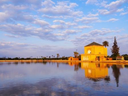 Saadier Gartenpavillon des Menara Gärten in Marrakesch, Marokko, Afrika Standard-Bild - 22305154