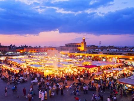 marrakesh: Jamaa el Fna - famosa piazza di Marrakech, Marocco, Africa Editoriali