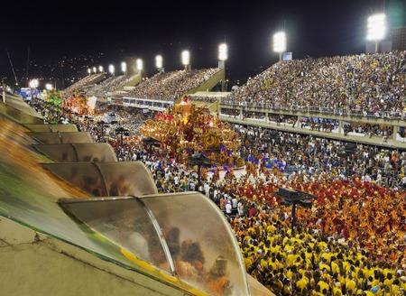 Brésil, État de Rio de Janeiro, la ville de Rio de Janeiro, Carnival Parade à La Sambadrome Marques de Sapucai.