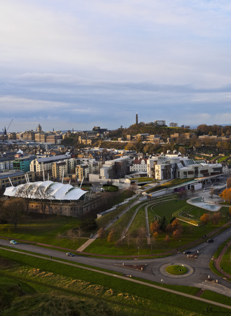 lothian: UK, Scotland, Cityscape of Edinburgh viewed from the Holyrood Park.