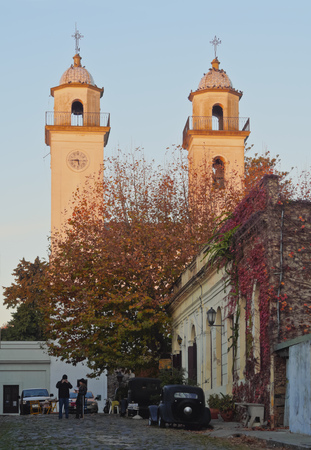 towards: Uruguay, Colonia Department, Colonia del Sacramento, View towards the towers of the Basilica of the Holy Sacrament. Stock Photo