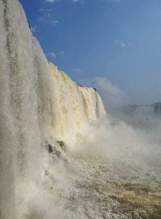 Brazil, State of Parana, Foz do Iguacu, View of the Devils Throat, part of Iguazu Falls. Imagens