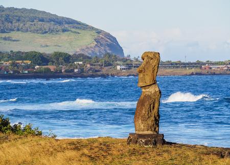 Moai en Ahu Hanga Kioe, Parque Nacional Rapa Nui, Isla de Pascua, Chile Foto de archivo
