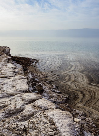 Salt Formations on the shore of the Dead Sea, Karak Governorate, Jordan 版權商用圖片