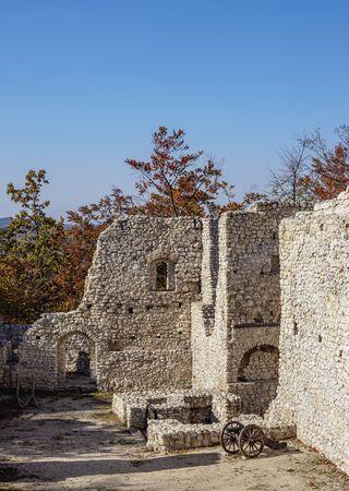 Pilcza Castle Ruins in Smolen, Trail of the Eagles' Nests, Krakow-Czestochowa Upland or Polish Jurassic Highland, Silesian Voivodeship, Poland 報道画像