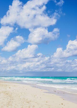 Beach in Varadero, Matanzas Province, Cuba 写真素材 - 145548231