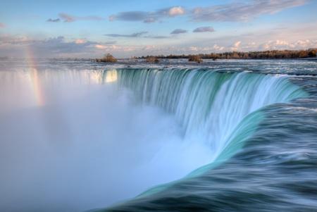 cascades: Niagara Falls van het Canadese Side Stockfoto