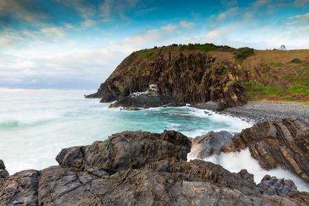 Soft morning light highlights a dreamy coastal seascape on the eastern coast of Australia. 版權商用圖片