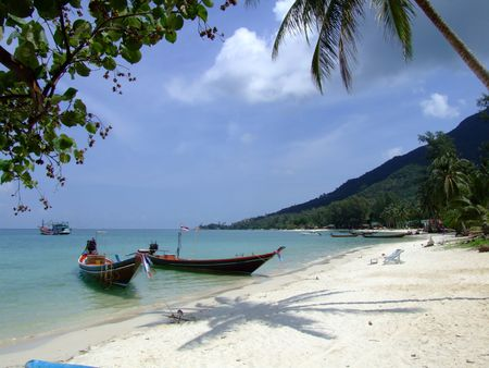 Boats on the ocean in Koh Phangan, Thailand. Stock Photo - 6231735