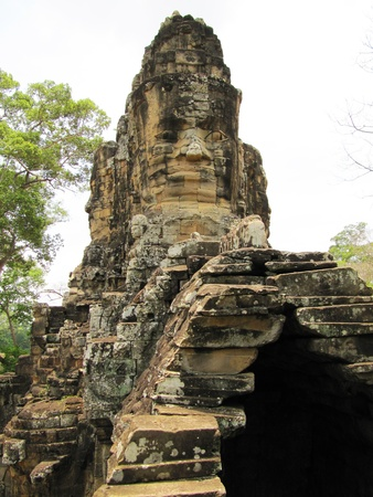Templo de Bayon, en Camboya photo