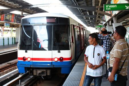 BANGKOK - AUGUST 21  Sky-train stopping at a Bangkok transit station on August 21, 2012 in Bangkok, Thailand