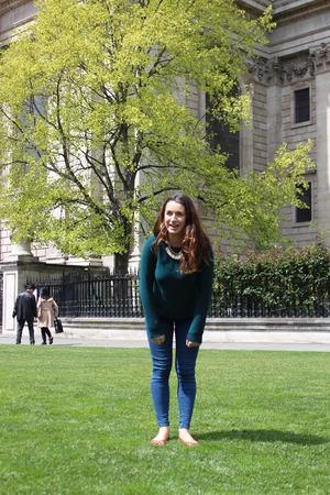 wisps: Girl Tourist Posing In Sunshine, London
