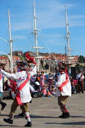 morris: Morris Men Ballando al Folk Festival di Whitby, agosto 2015. Editoriali