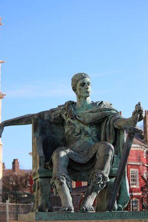 Estatua del emperador romano, de York.