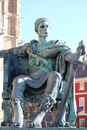 Estatua del emperador romano, de York. Foto de archivo