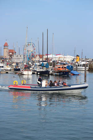 hottest: EDITORIAL: SCARBOROUGH TOWN AND HARBOUR Visited by British Holidaymakers on the Hottest Days of the Year; SUNDAY 8TH MAY 2016. Editorial