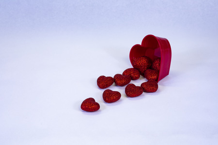 Valentine heart is broken. 版權商用圖片