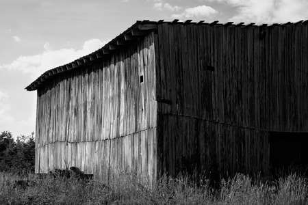 Monochrome view of old wooden barn 版權商用圖片