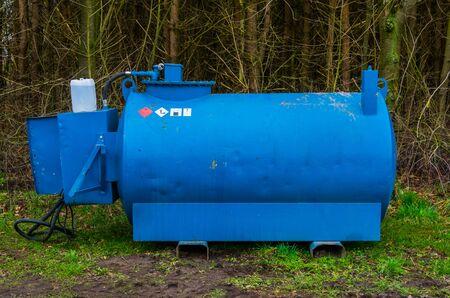 Tank filled with hazardous liquid, Warning signs, Portable barrel