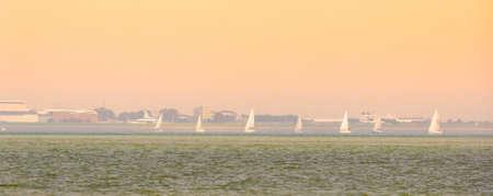 the ocean of breskens during sunset, Vlissingen in the background, Zeeland, The Netherlands 免版税图像