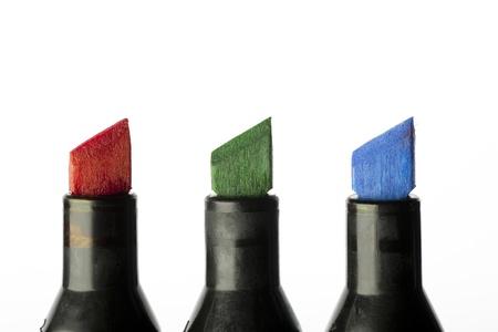 Gros marqueur rouge de vert et bleu conseils isolés sur un fond blanc.