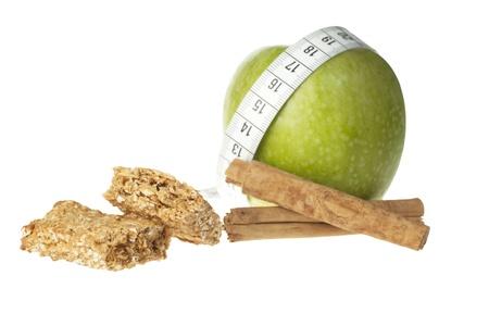 granny smith: Granny smith apple, cinnamon sticks and apple cinnamon granola bar.