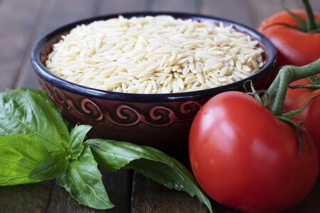 Orzo Paste with Basil and Tomatoes